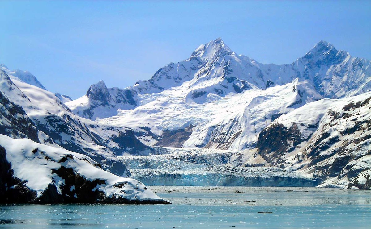 Climate change effecting the Glacier Bay National Park and Preserve.