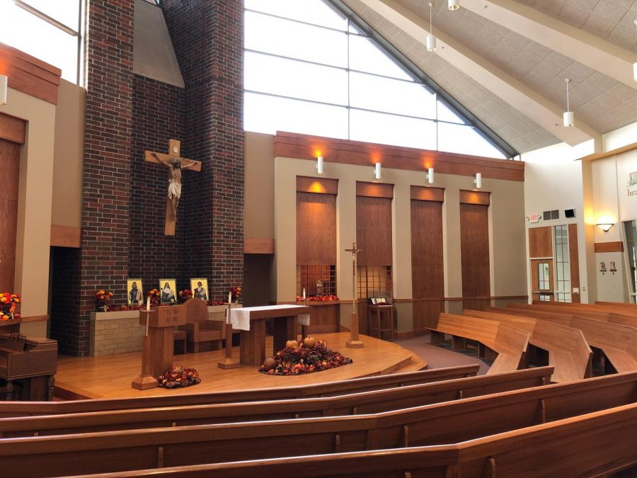 BSM students spend time in the chapel during adoration.