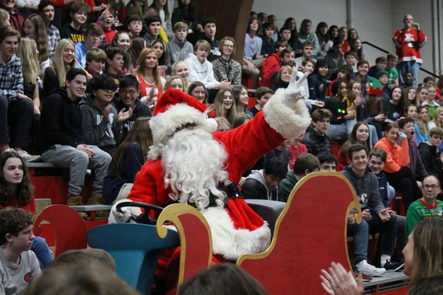 "After Santa rode into the Great Hall on his sleigh, the band played ""Sleigh Ride"" for the 35th year in a row."
